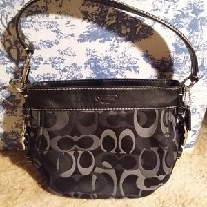 Coach Zoe Optic Signature Handbag